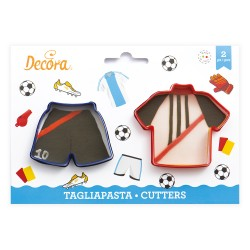 """2 emporte-pièces pour biscuits """"Maillot et short de Football"""""""