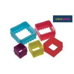 5 emporte-pièces carrés et cannelés